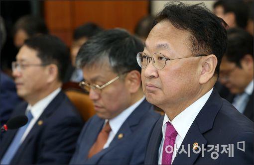 """유일호 """"민관합동 '대미통상협의회' 가동…통상전략 마련"""""""