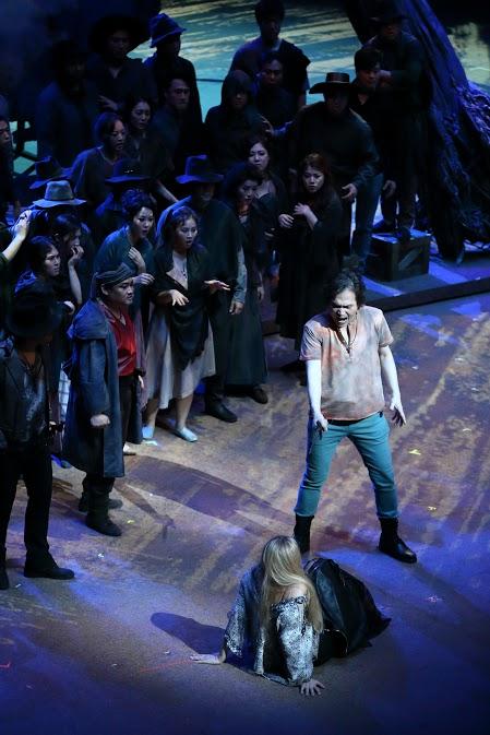 성남아트센터의 오페라 '카르멘'