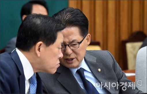 """박지원 """"先총리 後퇴진…질서있는 수습·퇴진해야"""""""