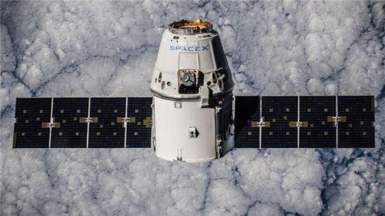 """화성 이주 꿈꾸는 일론 머스크 """"전 세계에 인터넷 공급한다"""""""