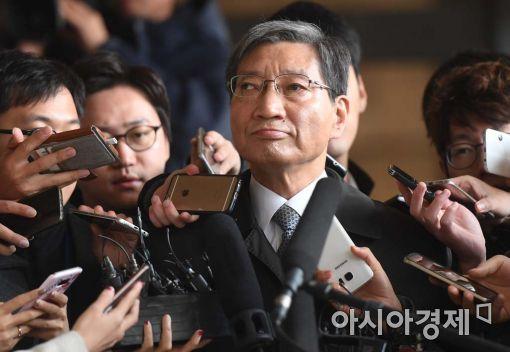 [포토]장충기 삼성 사장, 검찰 출석