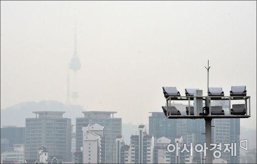 [포토]미세먼지에 갇힌 N타워