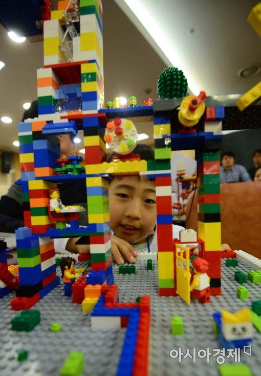[포토]'내가 꿈꾸는 미래의 건축물은?'