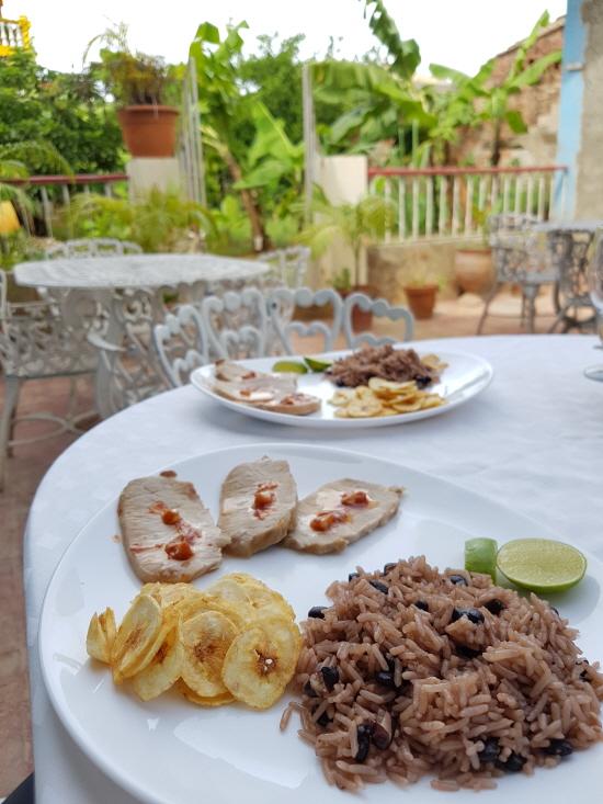 쿠바인들의 주식, 프리홀레스