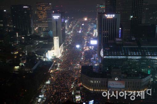 [포토]서울광장까지 가득찬 촛불행렬