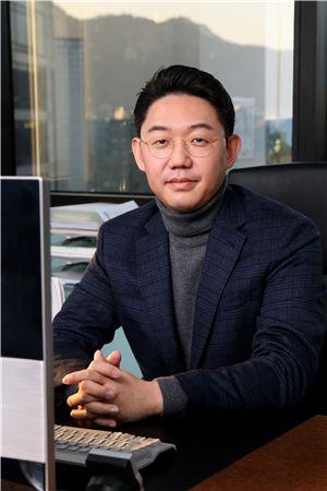"""[CEO인터뷰] 이지모바일 김도균 대표 """"군 장병 휴대폰 대여서비스 독점…캄보디아 사업도 순항"""""""