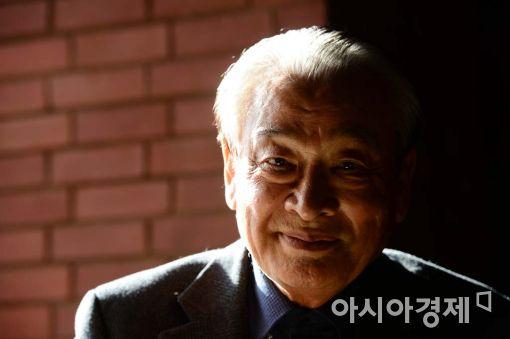 연극 '세일즈맨의 죽음'으로 60주년 기념 무대에 서는 배우 이순재.