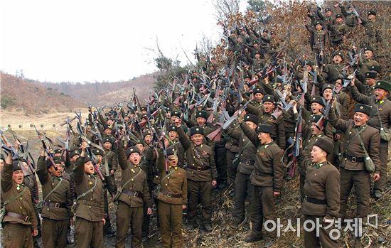 기존의 대북 제재를 실질적으로 강화한 새 결의 2321호에는 핵ㆍ미사일 관련 안보리 결의를 반복적으로 위반한 북한의 유엔 회원국 자격을 거론하는 조항이 처음으로 명시됐다.