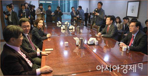 1일 오전 개최된 새누리당 '6인 중진협의체'의 회의 모습