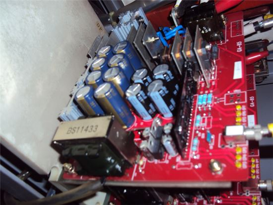 커패시터 교환형 게이트 드라이브 장치.