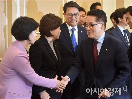 [포토]야3당 대표, '어제도 만나고, 오늘도 만납니다'