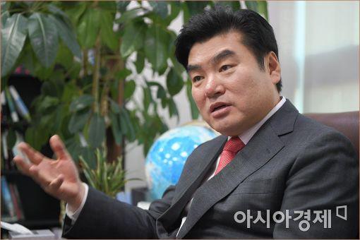 """원유철, 與 4050 클럽 창립 """"보수의 경쟁, 민생에서 찾자"""""""