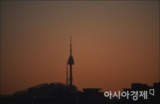 [포토]붉게 물드는 남산 N타워