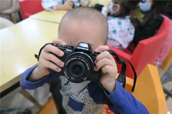 서울대 어린이병원 '아이엠 카메라' 수업 모습