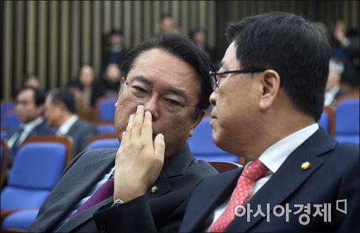 [포토]의견 나누는 정진석·김광림