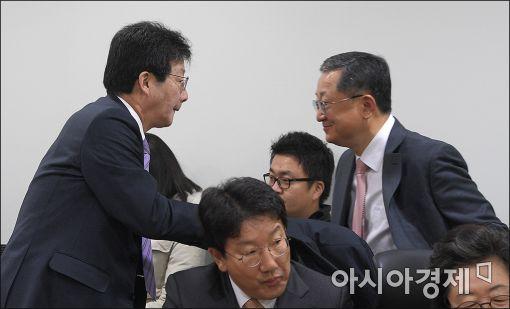 [포토]인사 나누는 유승민·김재경