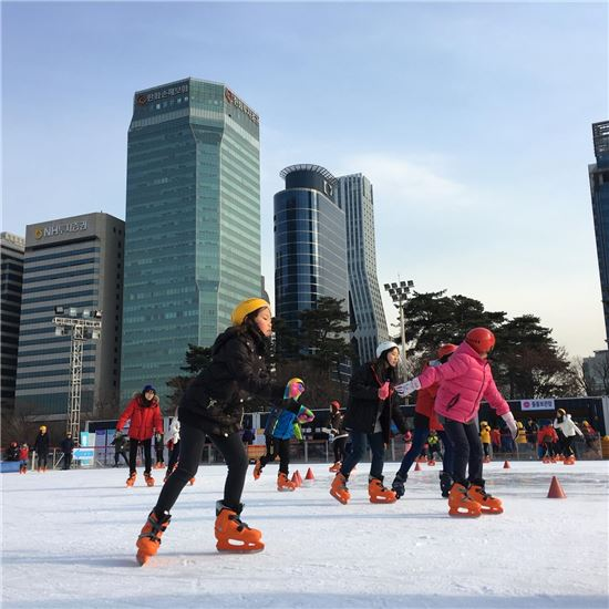 ▲여의도공원 스케이트장 모습 (제공=서울시)