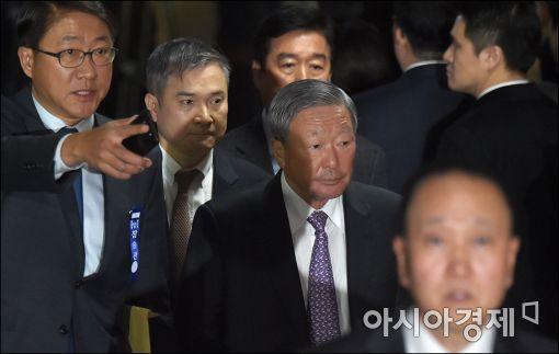 [포토]오전 청문회 마친 구본무 LG 회장