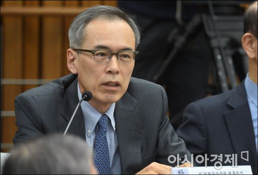 [포토]답변하는 주진형 한화투자증권 전 대표