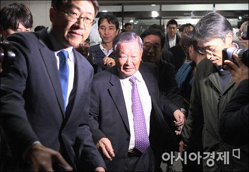 [포토]청문회 마친 구본무 LG 회장