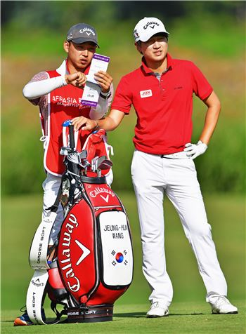왕정훈이 홍콩에서 2017시즌을 시작한다.
