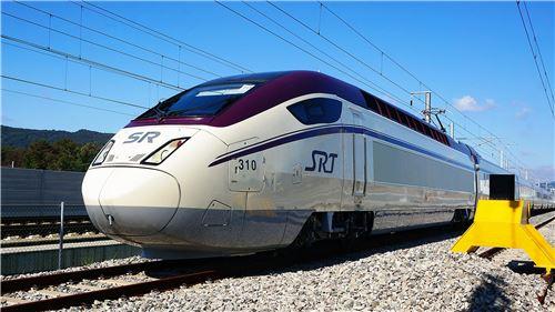 ▲현대로템이 제작한 SRT 고속열차.