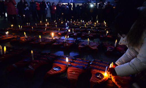 [포토]촛불 꽂힌 304개의 구명조끼
