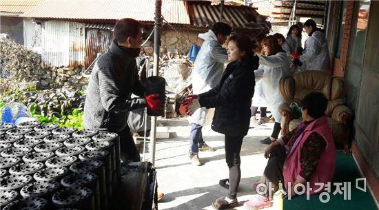 장흥군 용산면, '사랑의 연탄배달'무료 봉사활동 펼쳐