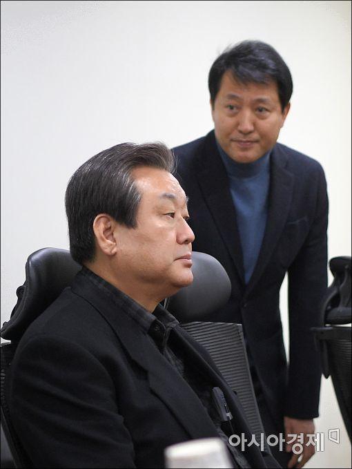 [포토]비상시국회의 참석한 김무성