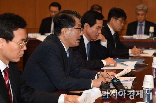 [포토]발언하는 진웅섭 금감원장