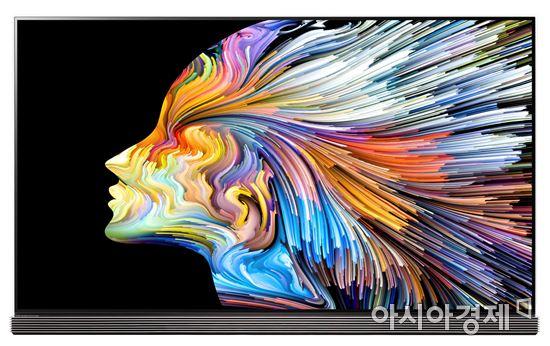 ▲'2016 우수디자인'에서 대통령상을 수상한 LG 시그니처 올레드 TV.(제공=LG전자)