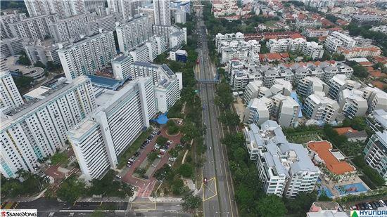쌍용건설은 1980년 우리나라 건설사 최초로 싱가포르에 진출해 39개 프로젝트(53억달러)를 성공적으로 수행하고 있다. 쌍용건설이 싱가포르 정부와 다져 놓은 우리나라 건설사에 대한 긍정적인 이미지와 신뢰는 후발주자들에게 좋은 발판이 됐다. 쌍용건설의 싱가포르 지하철 T308공구 일대.
