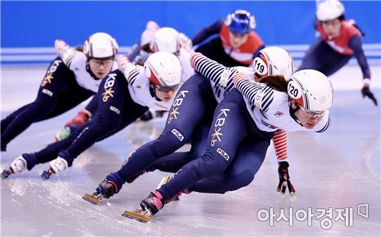 [포토]쇼트트랙 대표팀 '실전같은 훈련'