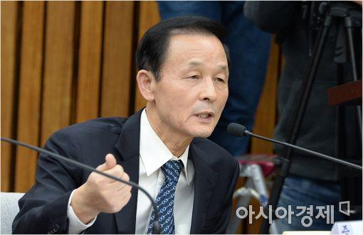 [포토]답변하는 김상수 전 안보실장