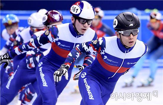 [포토]안현수, '러시아 대표팀 선두에서'