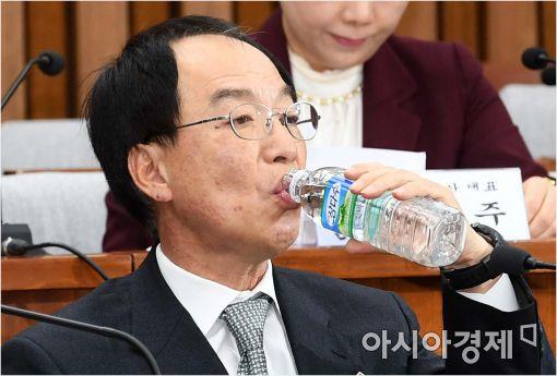 [포토]속 타는 김원호 전 의무실장
