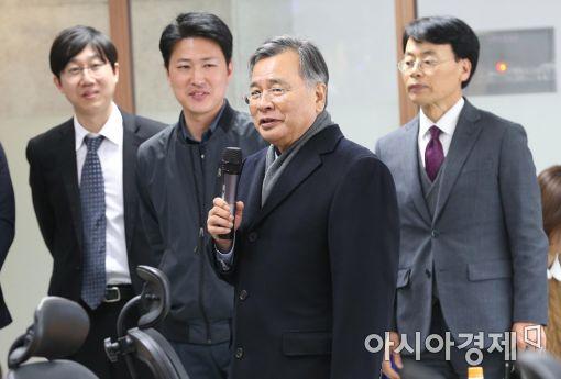 """박영수 특검 """"대통령, 완벽 준비해 한두차례 조사로 끝낼 것"""""""