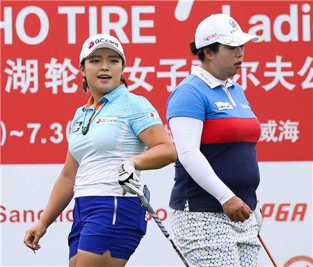 장하나(왼쪽)와 펑산산이 현대차 중국여자오픈 첫날 동반플레이를 펼친다.
