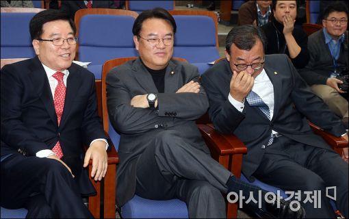 [포토]개표 지켜보는 이정현·정진석·김광림