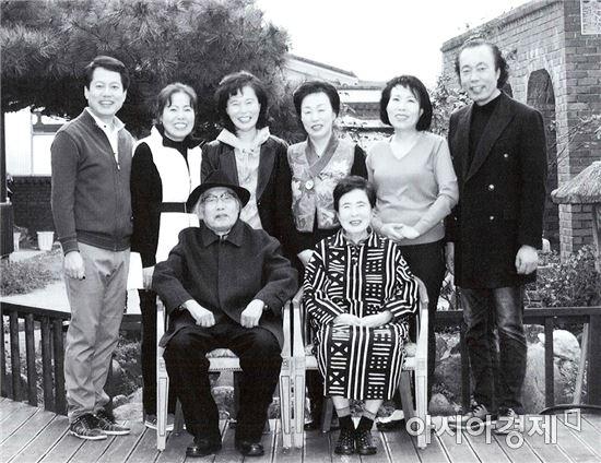 동신대 조진호 교수, 용곡예가(龍谷藝家) 가족전 개최