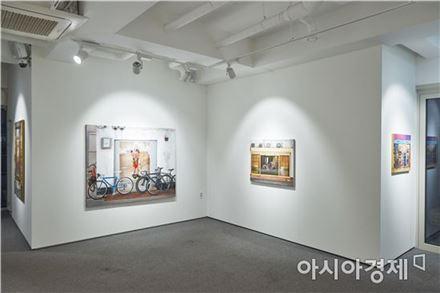 갤러리 내부전시 전경 [사진=더트리니티&메트로갤러리 제공]