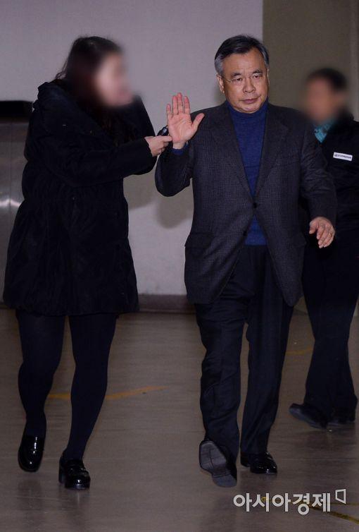 [포토]질문 거부하는 박영수 특검