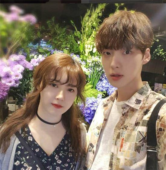 안재현구혜선 부부가 tvN 새 예능프로그램 '신혼일기'에 출연한다./사진=안재현 인스타그램
