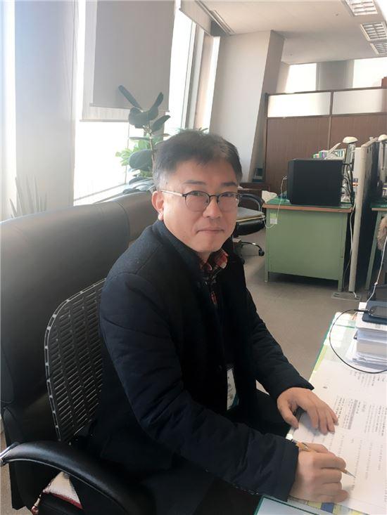 천원봉 청소작업팀장