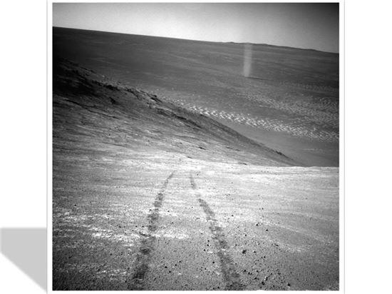 ▲화성 착륙선 오퍼튜니티가 찍은 화성의 계곡.[사진제공=NASA]