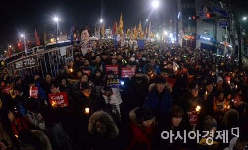 """주말 촛불집회 """"대기업 총수 구속수사하라"""""""