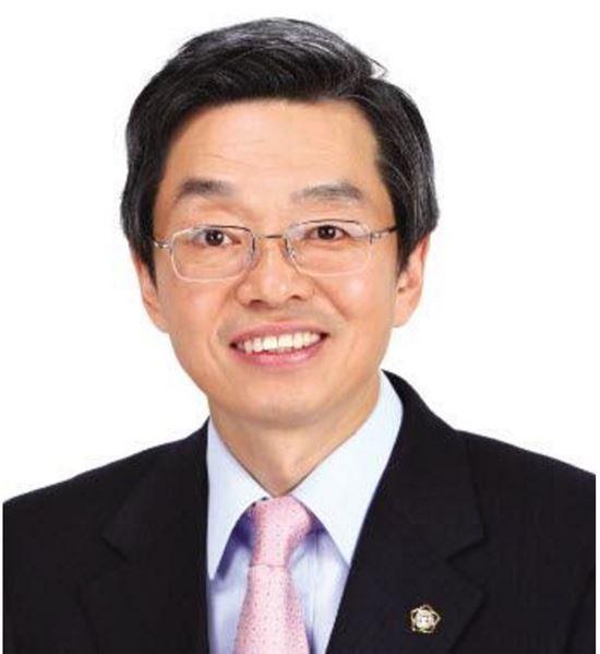 김현 전 대한변호사협회장