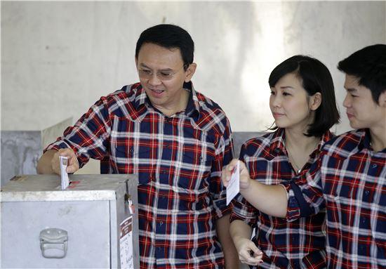 2년만에 돌아온 아혹 술렁이는 印尼정치판