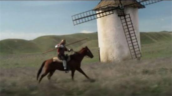 풍차를 향해 돌진하는 돈키호테(사진=영화 '돈키호테 맨 오브 라만차' 캡쳐)
