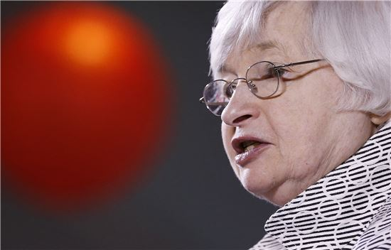 재닛 옐런 미 연방준비제도이사회(FRB) 의장. 최근 금리 인상 가능성을 시사하면서 국내 정책에도 변화가 생길지 귀추가 주목되고 있다.